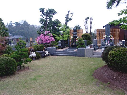 礼林寺墓苑