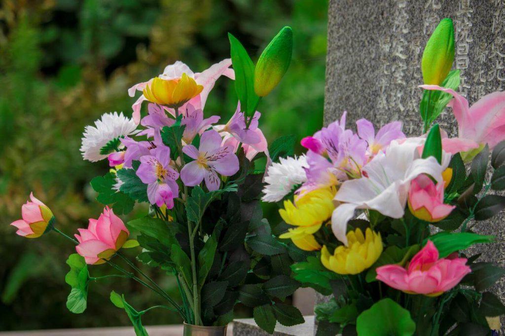 季節ごとでお供えするお花のおすすめ