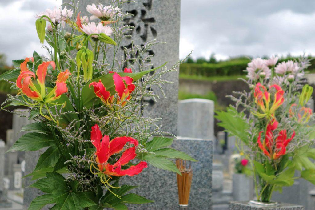 お墓参りの頻度や回数は決められているの?
